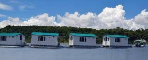 fly-In-floating-cabins-9